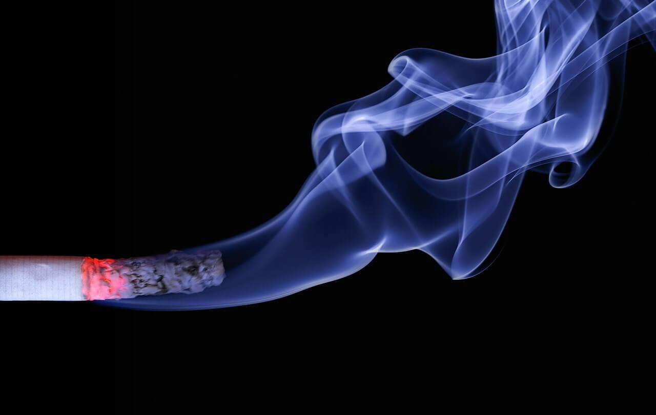 【三次喫煙】喫煙後45分間は呼吸に有害物質が含まれる!